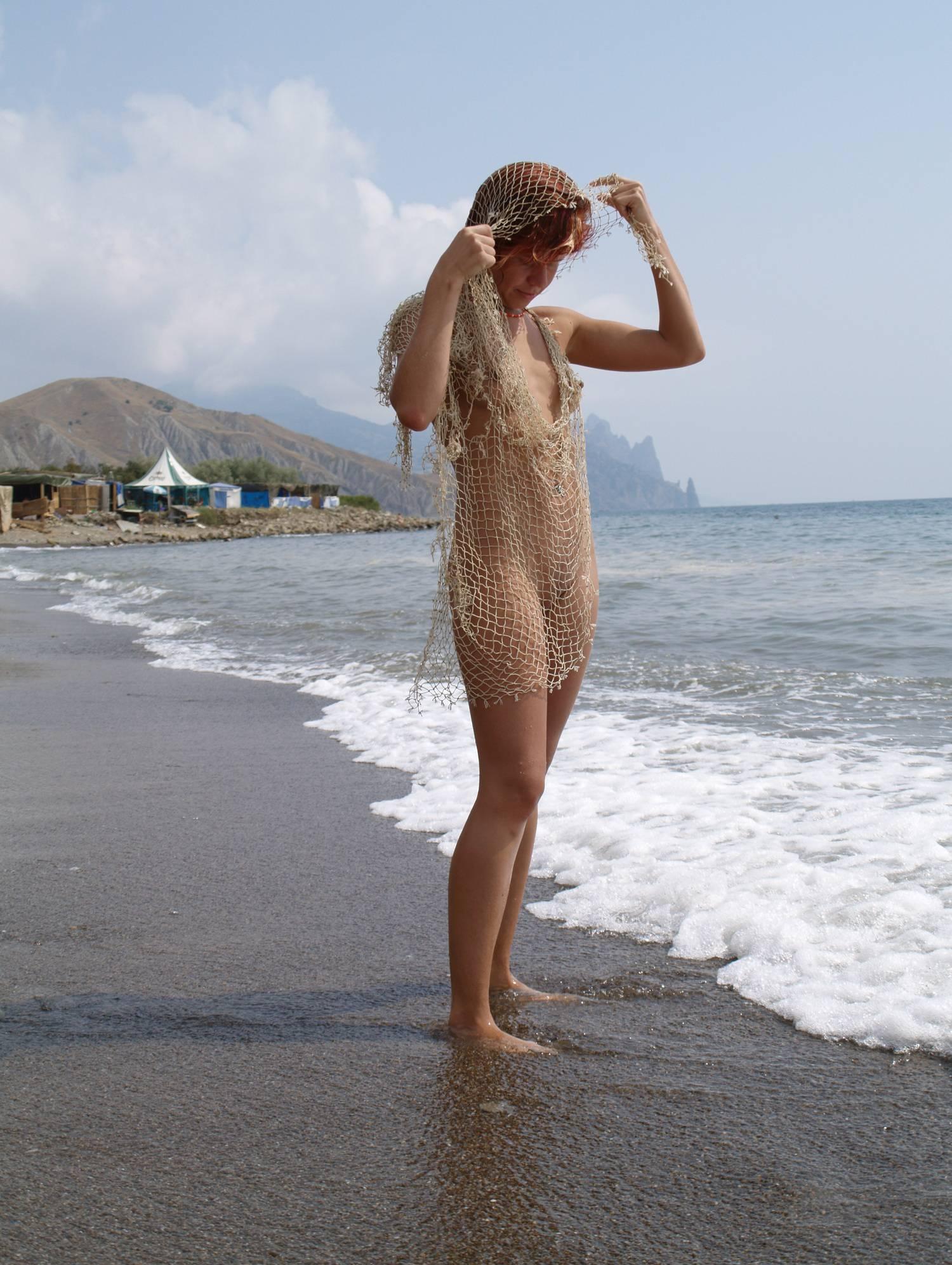 Nudist Girl Net and Sands - 2