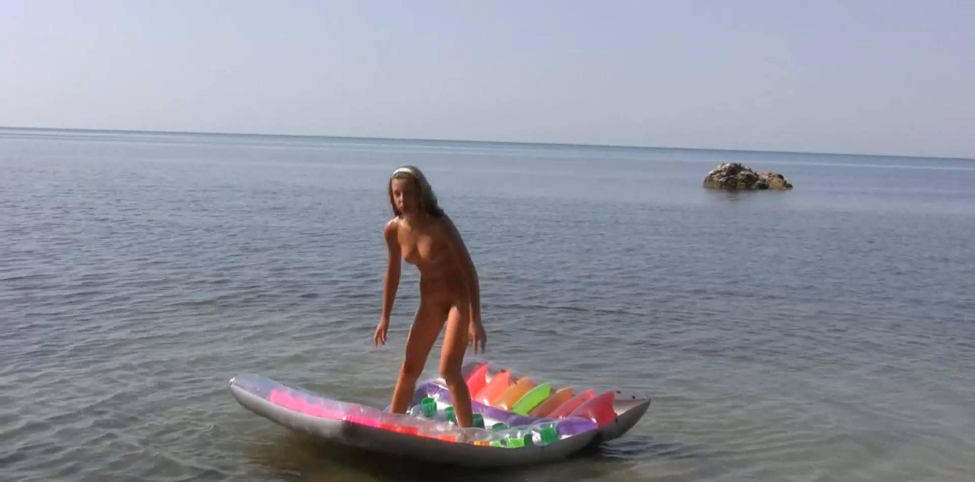 Nudist Girlfriends on Holiday 1 - 1