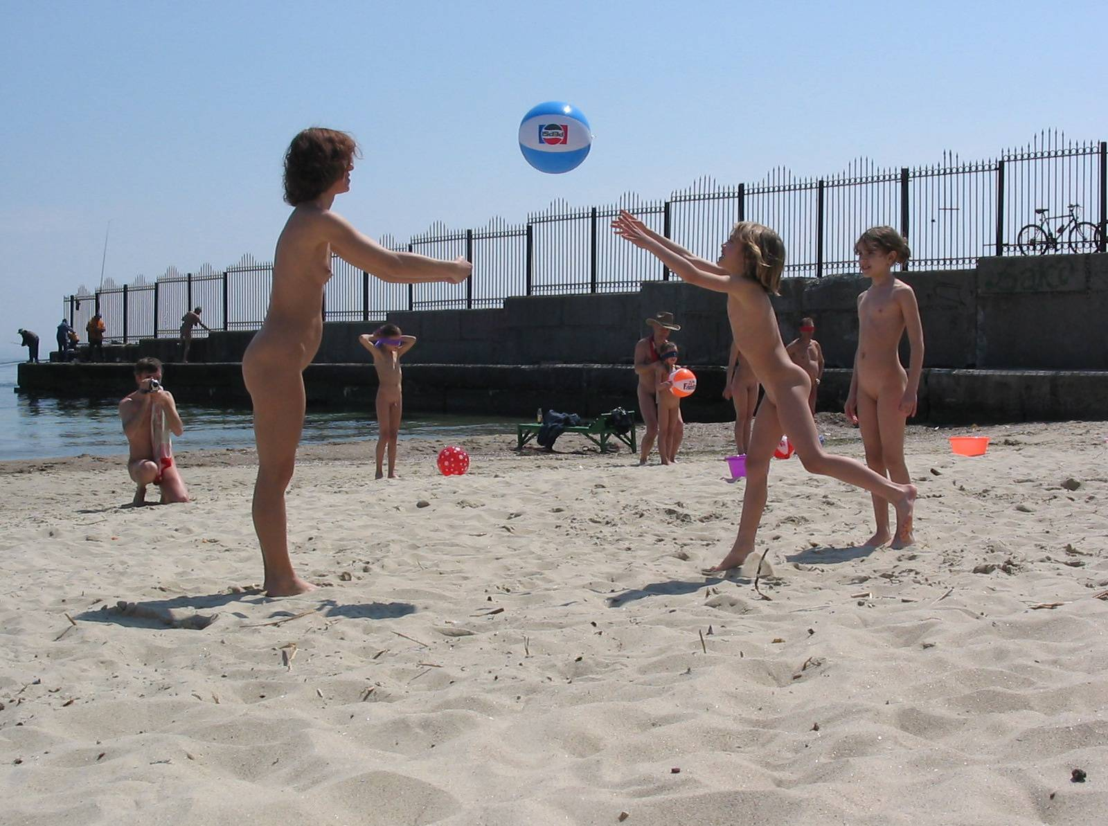 Beach Wall Kids Ball Game - 1