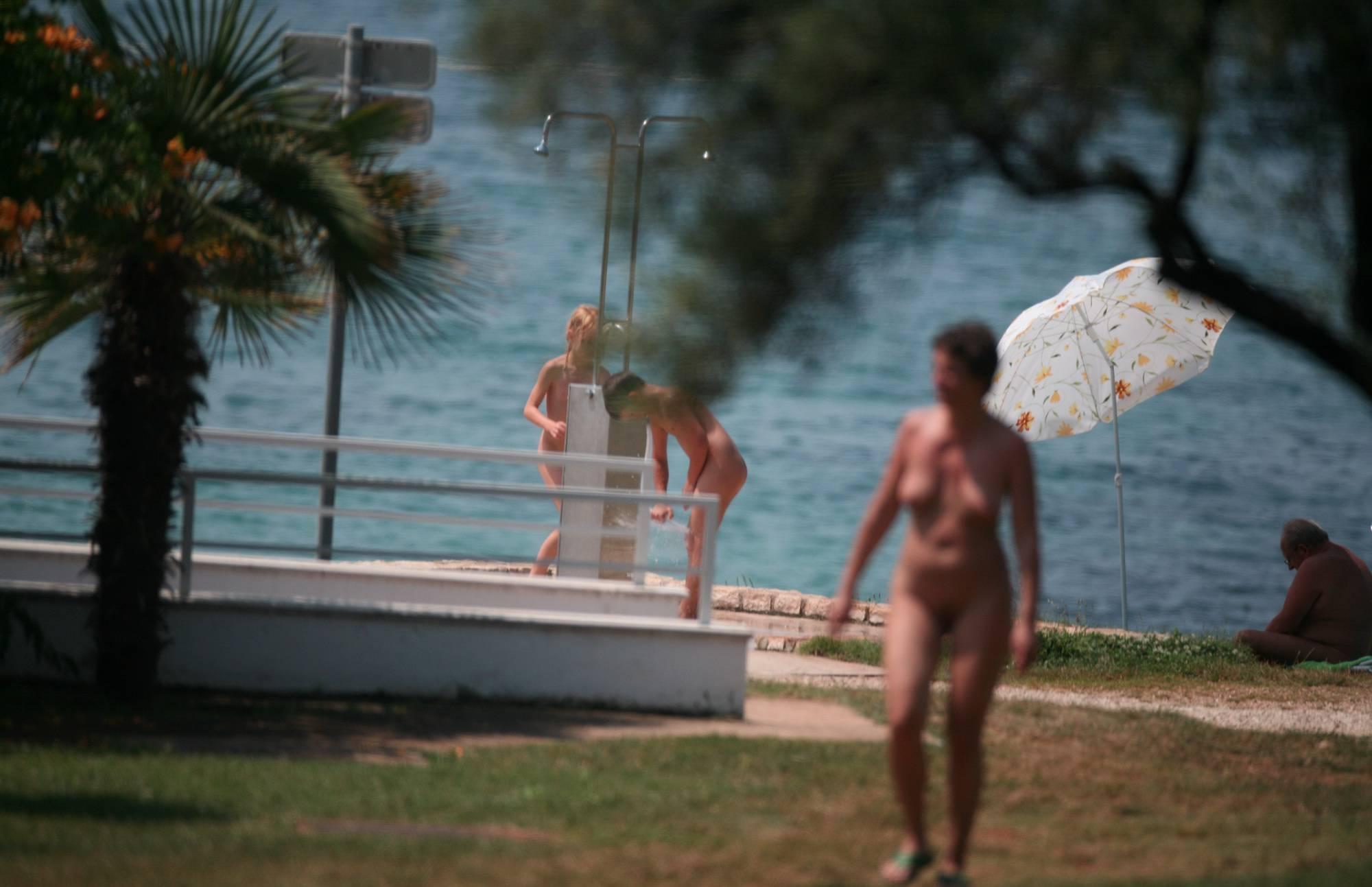 Nudist Pics Nudist Sunny Day Friends - 2
