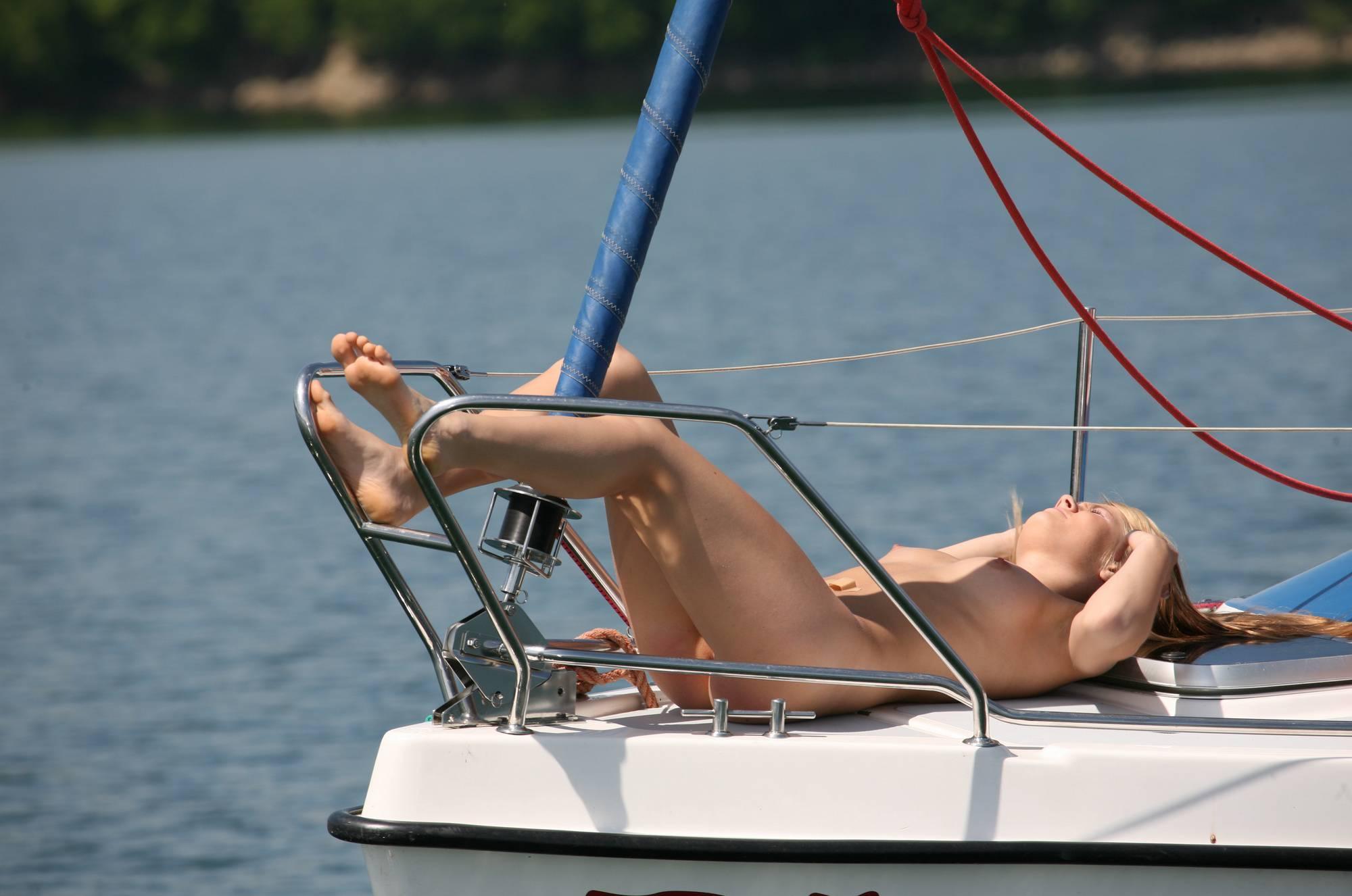 Seaworthy Piwot Yacht - 2