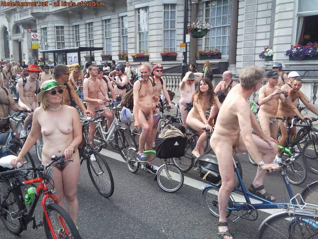 Nudist Photos World Naked Bike Ride (WNBR) UK 2009 - 1